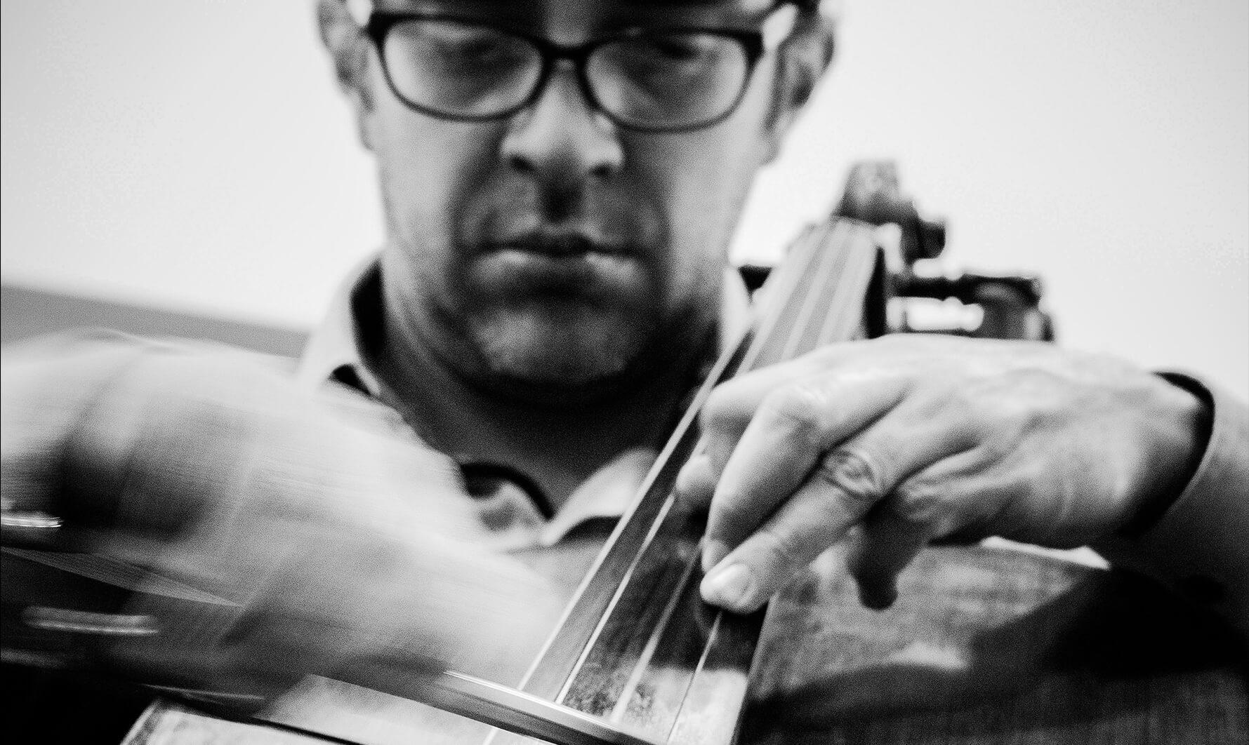 Círculo Colombiano de Música Contemporánea - Diego García Castro, violonchelo, Colombia