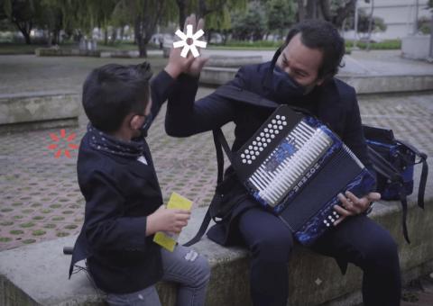 Teatropedia, programa social del Teatro Mayor Julio Mario Santo Domingo y Sura, estrenará el especial 'Papo toca vallenato' a través del canal Escuela Plus de DirecTV