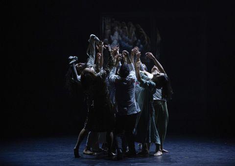 El Teatro Mayor Julio Mario Santo Domingo  anuncia la reprogramación de la función  del 9 de septiembre de la obra  'Incluso la noche misma está aquí'