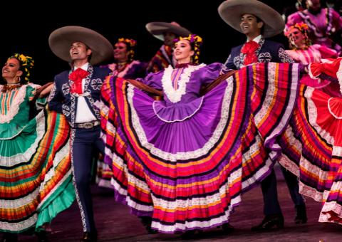 El Ballet Folclórico de la Universidad de Guadalajara se adueña del escenario virtual de Teatro Digital