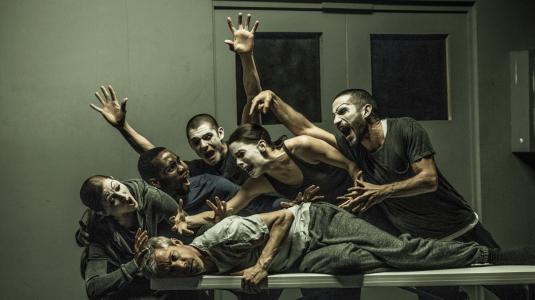 Kidd Pivot, Canadá - 'Betroffenheit' - Dramaturgia: Jonathon Young - Coreografía y dirección: Crystal Pite